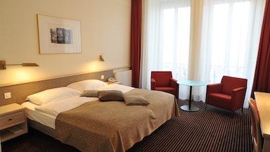Doppelzimmer mit Seesicht: Bild 1