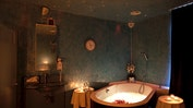 Rosenblütenbad & Candle-Massage: Bild 4