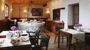 Exquisite Küche im Herzen des Mauerwerks: Bild 14