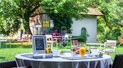 Restaurant-Terrasse mit schönem Garten: Bild 12