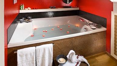 Japanischer Romantik-Wellroom mit Partnerbadewanne: Bild 12