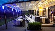Restaurant-Terrasse mit schönem Garten: Bild 14