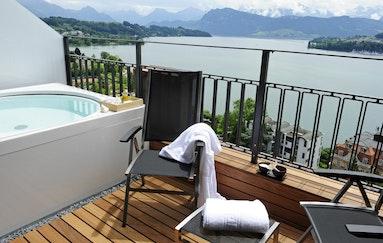Wettbewerb: Übernachtung in der Penthouse Spa Junior Suite mit Panorama Whirlpool