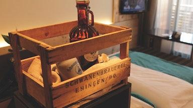 Übernachtung im Bierkistenzimmer: Bild 1