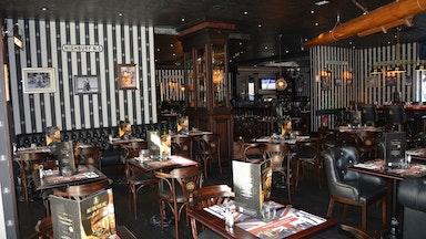 Au Bureau Pub & Brasserie: Bild 2