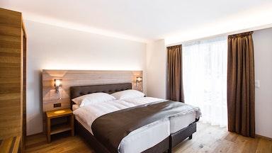 Doppelzimmer mit Seesicht und Balkon: Bild 1