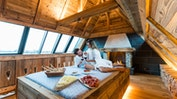 Private Spa-Suite Swiss Chalet: Bild 2