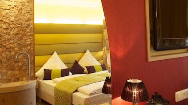 Zimmer mit Quellwasserbrunnen: Bild 1