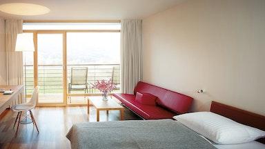 Moderne Zimmer mit Panoramablick: Bild 13