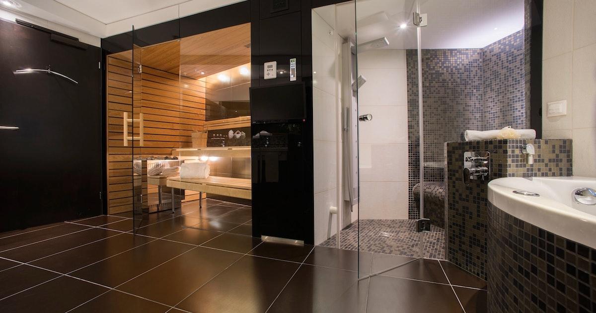 Suite mit whirlpool sauna dampfbad weekend4two - Sauna whirlpool ...