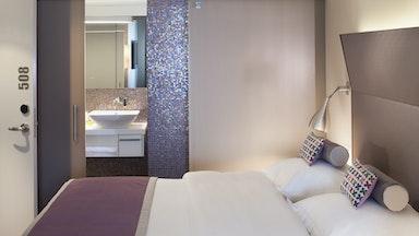 Übernachtung im Hotel D: Bild 1