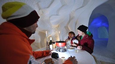 Nachtessen im Iglu Dorf: Bild 5