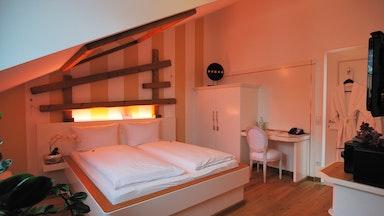 Japanischer Romantik-Wellroom mit Partnerbadewanne: Bild 11