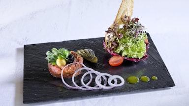 Abendessen im Hotelrestaurant Rôtisserie: Bild 13