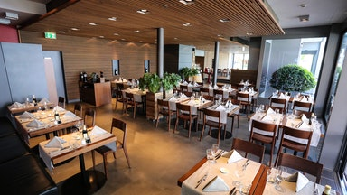 Abendessen in einem Restaurant der Marina Lachen: Bild 11