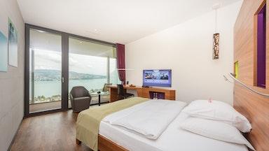 Doppelzimmer (26 m²) mit atemberaubender Seesicht: Bild 1
