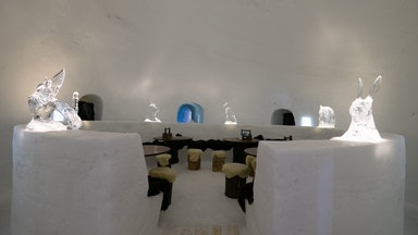Nachtessen im Iglu Dorf: Bild 11
