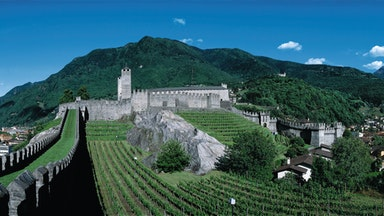 Bellinzona - Stadt der drei Burgen: Bild 18