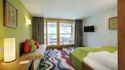 Modernes Zimmer mit warmen Farben: Bild 4