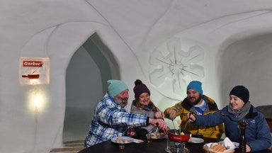 Nachtessen im Iglu Dorf: Bild 10