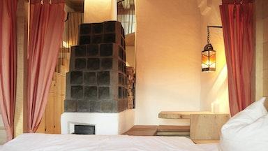 Doppelzimmer mit Himmelbett: Bild 4